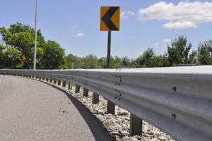 Different Highway Crash Barriers:Guard Beams & Steel Wire Cable Guardrail